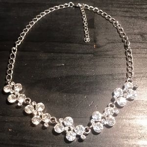 Jewelry - Silvertone sparkle rhinestone necklace